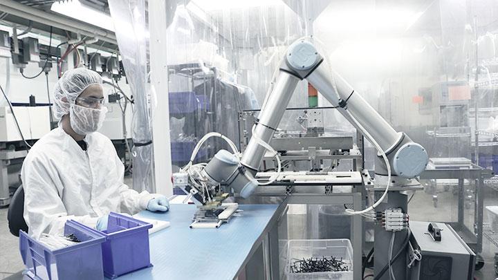 Supremația roboților industriali: cum crește răspândirea lor