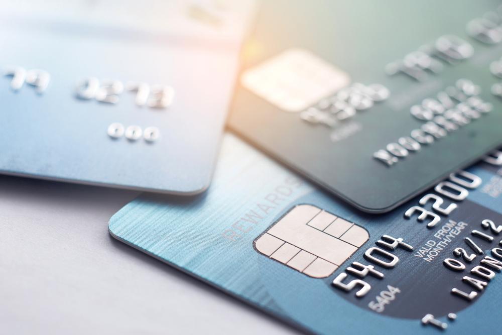 Plăți online: creșterile din 2019. 550.000 de români fac lunar plăți