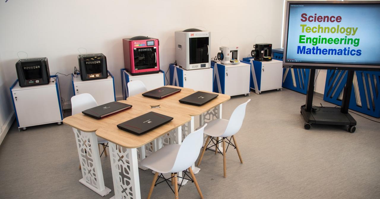 Smart Lab Măgurele: cursuri de robotică, modelare 3D pentru 1000 de elevi