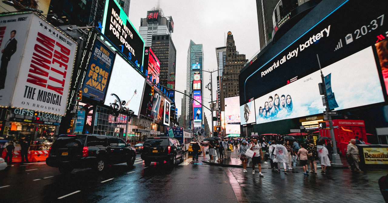 "Mergem Mai Departe | TPS Engage: ""50% din clienți au oprit/modificat campanii"""
