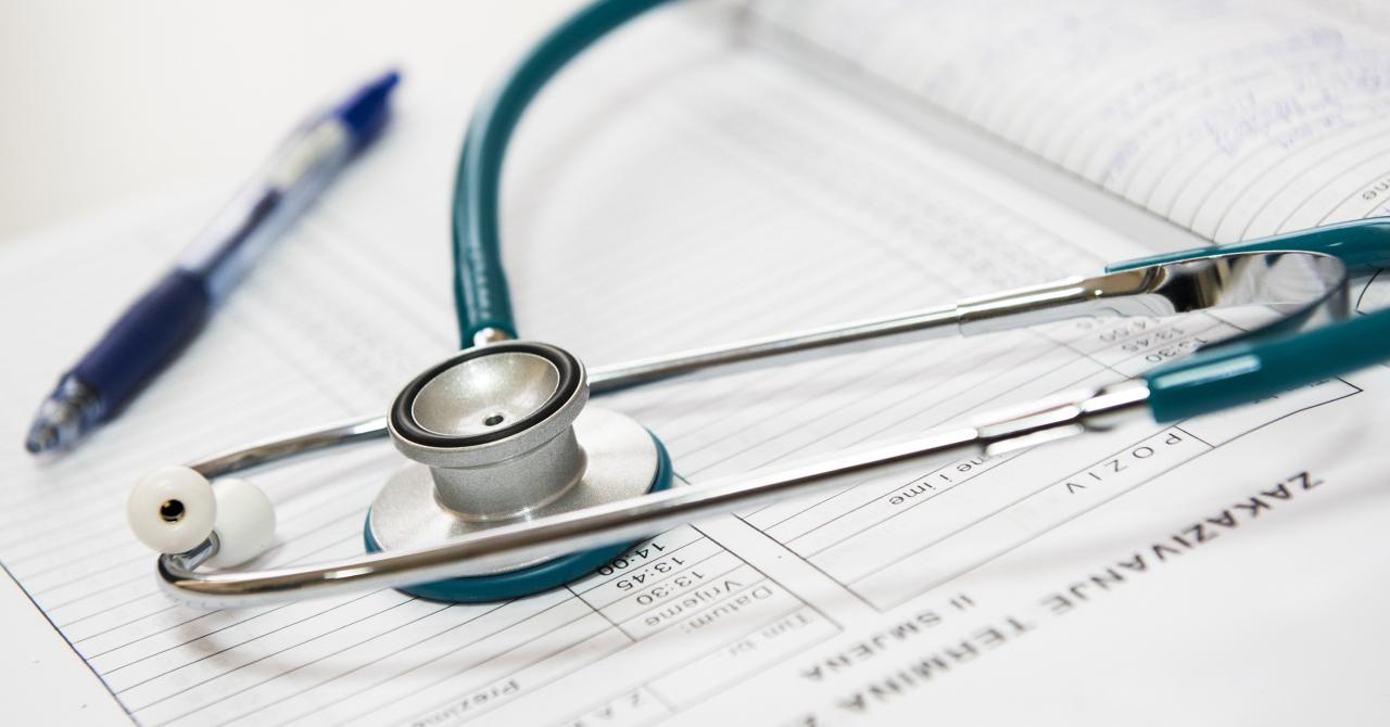 Coronavirus | Altex se aliază cu Unicredit să cumpere monitoare și ventilatoare