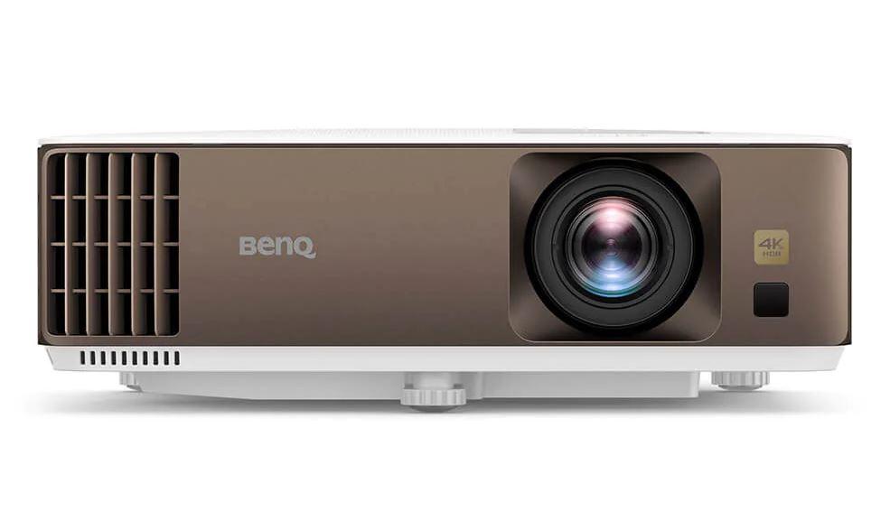 BenQ W1800i e proiectorul cu Android TV pentru filme și meciuri de fotbal
