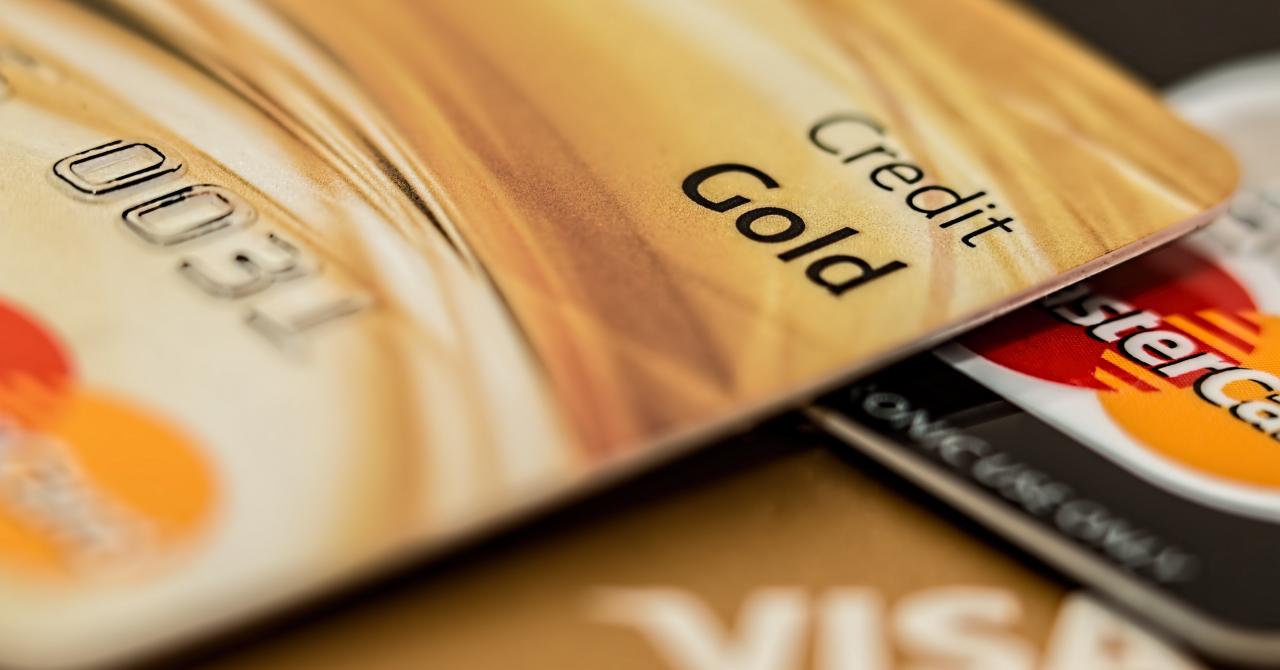 Valoarea tranzacțiilor cu cardurile de credit s-a dublat în 4 ani
