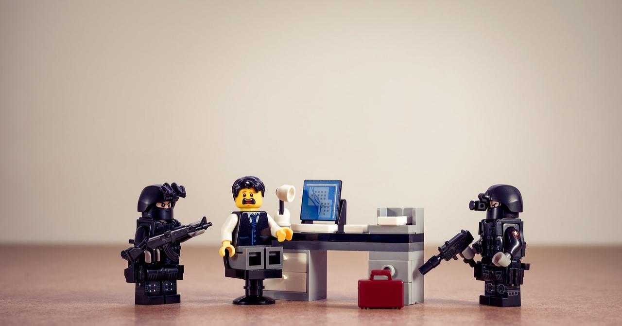UE: Poliția trebuie să aibă acces în telefoanele tale mai ușor