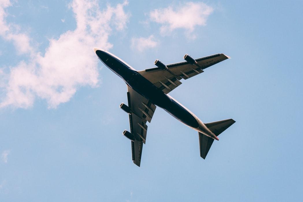 AirHelp îți spune dacă primești compensații când ți s-a anulat zborul