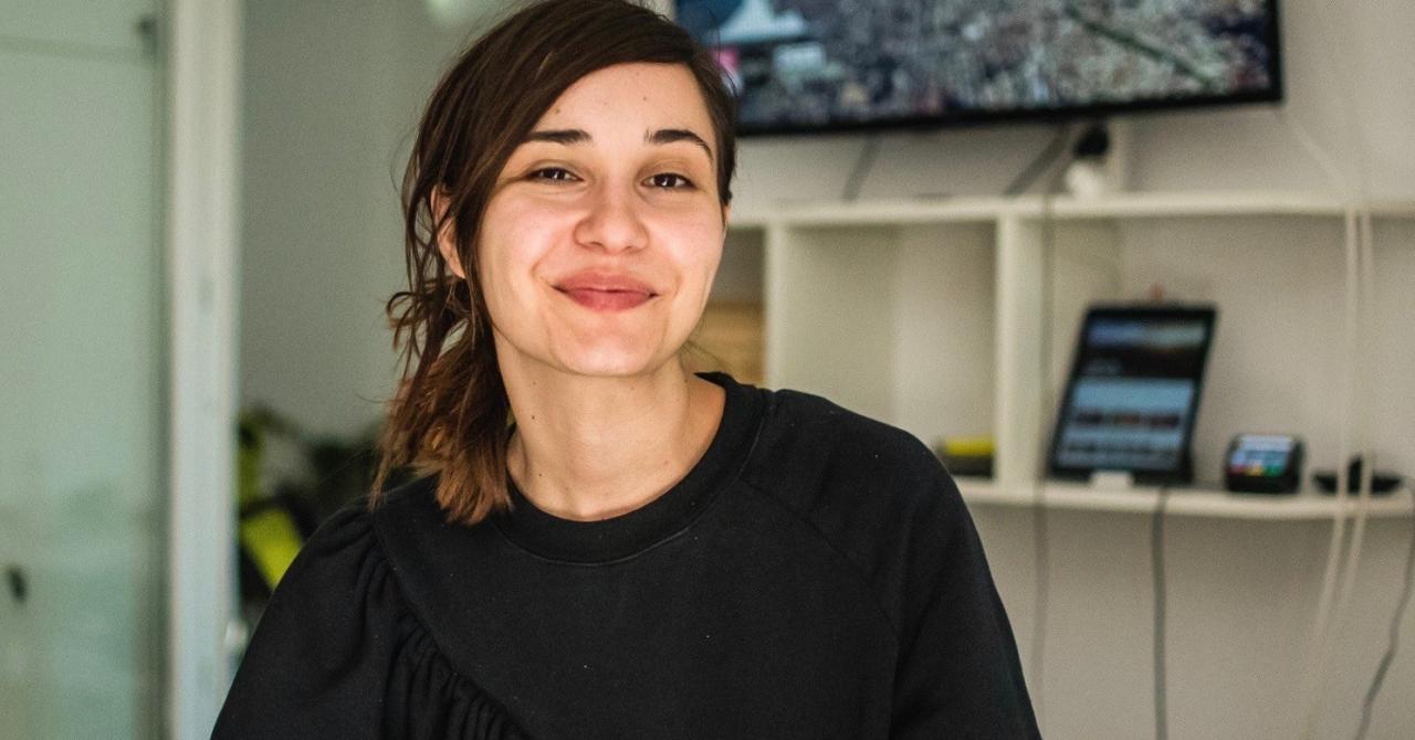 O tânără din România a lansat o carte pentru copii cu realitate augmentată