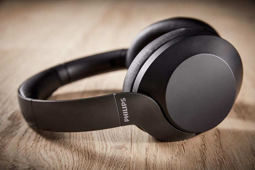 Philips Audio lansează căștile wireless PH805 cu noise cancelling