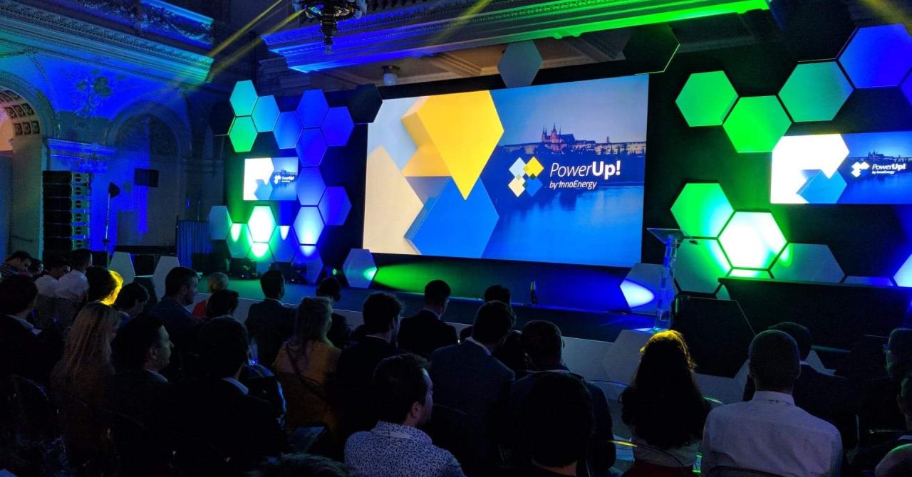 PowerUp! 2018: ce face un dinozaur din energie cu inovația unui startup