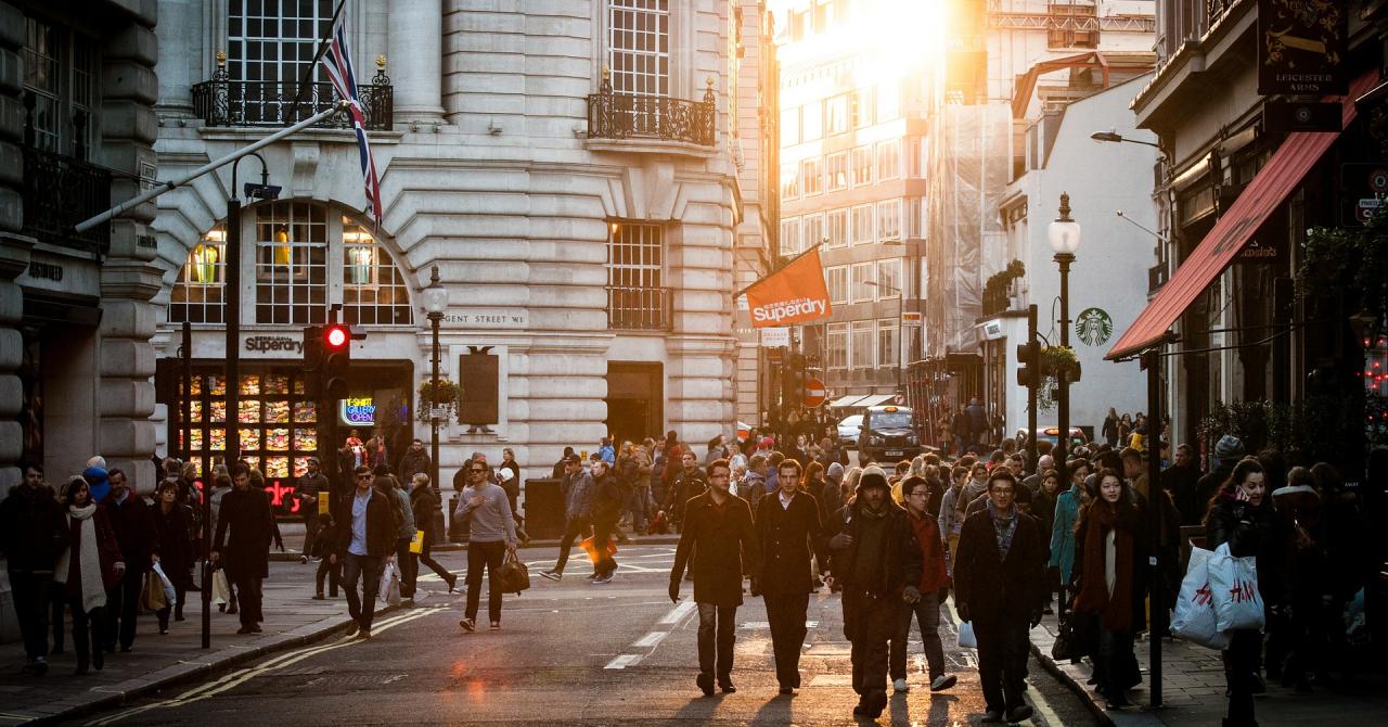 Ce efect au asupra societății antreprenorii seniori?