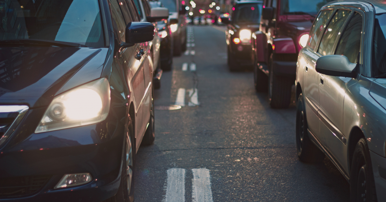 Uber obligă șoferii și pasagerii să poarte mască. Cine nu o face, pierde accesul