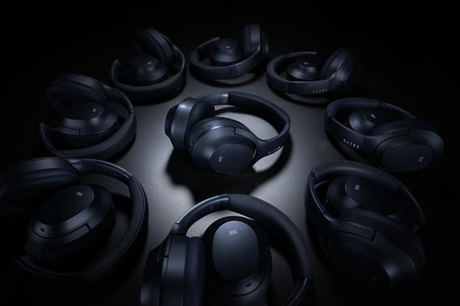 Razer Opus sunt căștile wireless over ear pentru muzică și podcast-uri