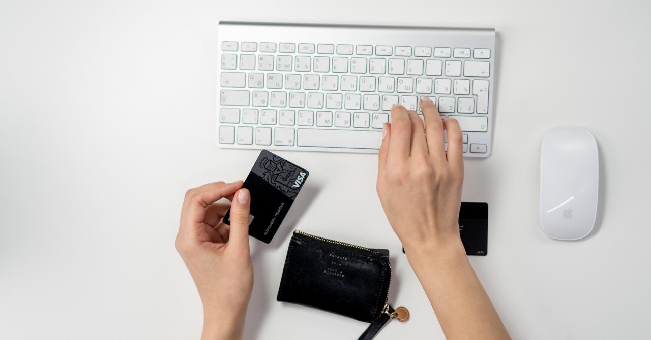 Cum să faci cumpărături online în siguranţă