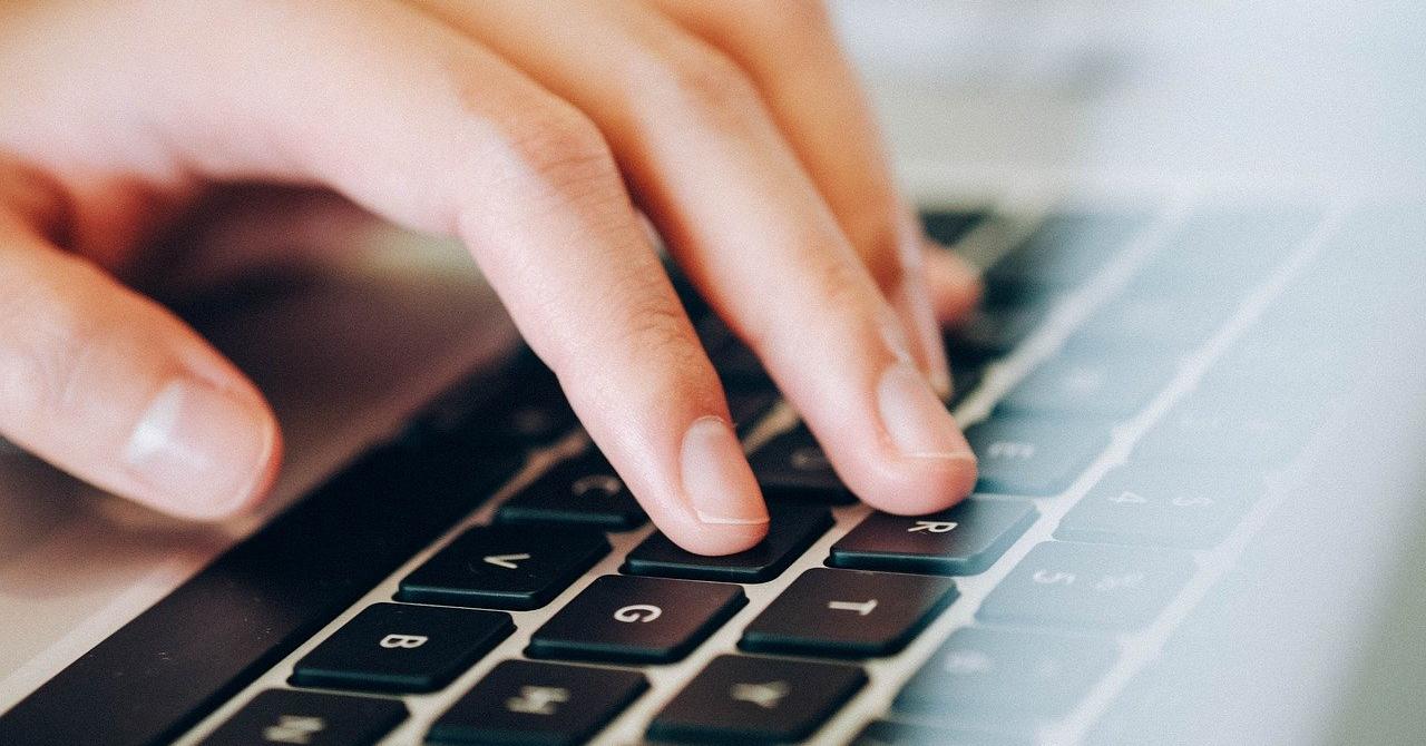 Românii, hotărâți să-și reducă activitățile online după încheierea pandemiei