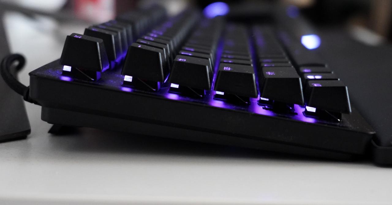 Review Razer Huntsman V2 Tenkeyless - noua mea tastatură preferată