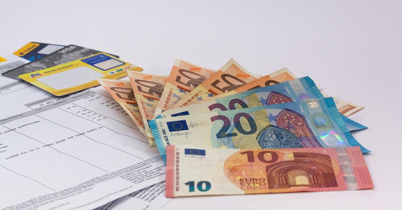 Cum ajută IT-iștii clujeni la eliminarea facturilor pe hârtie