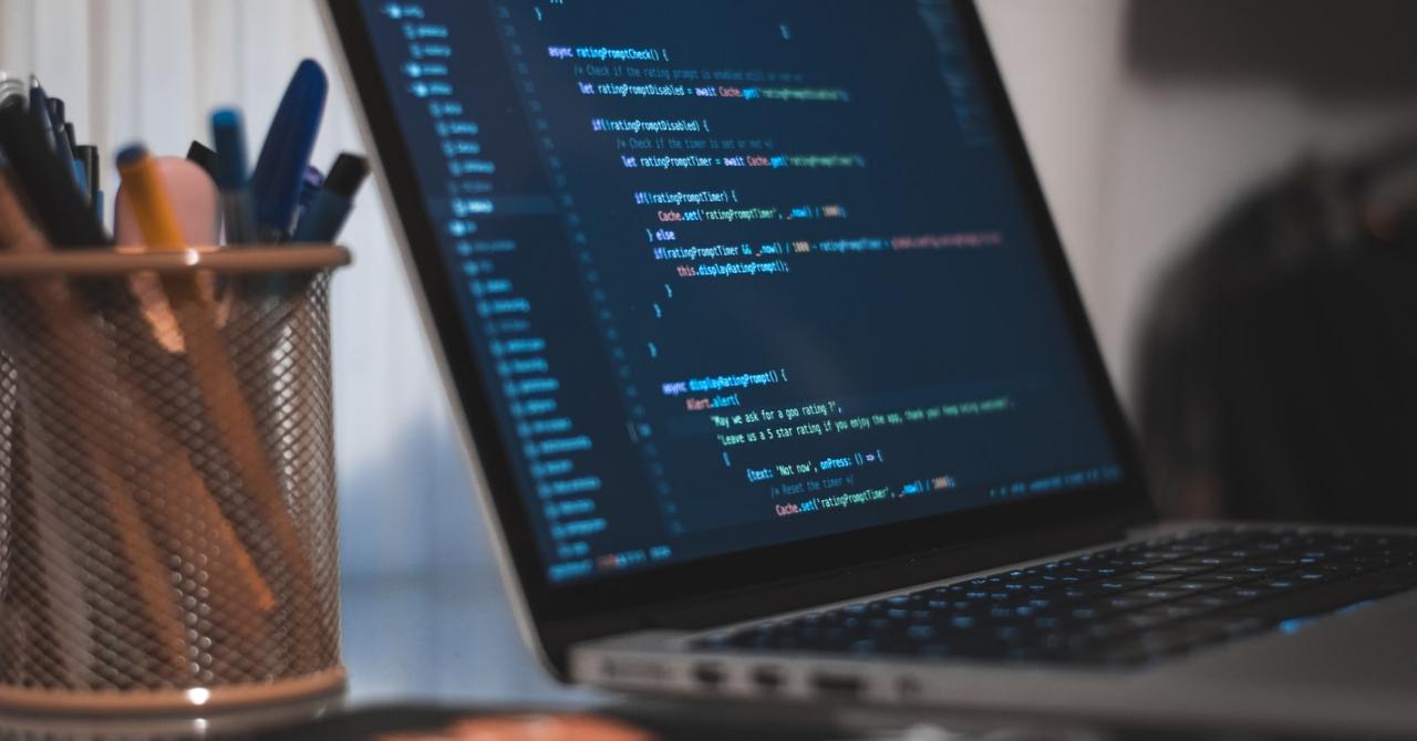 Cursuri de programare: absolvenții Codecool, acreditare pentru joburi în IT