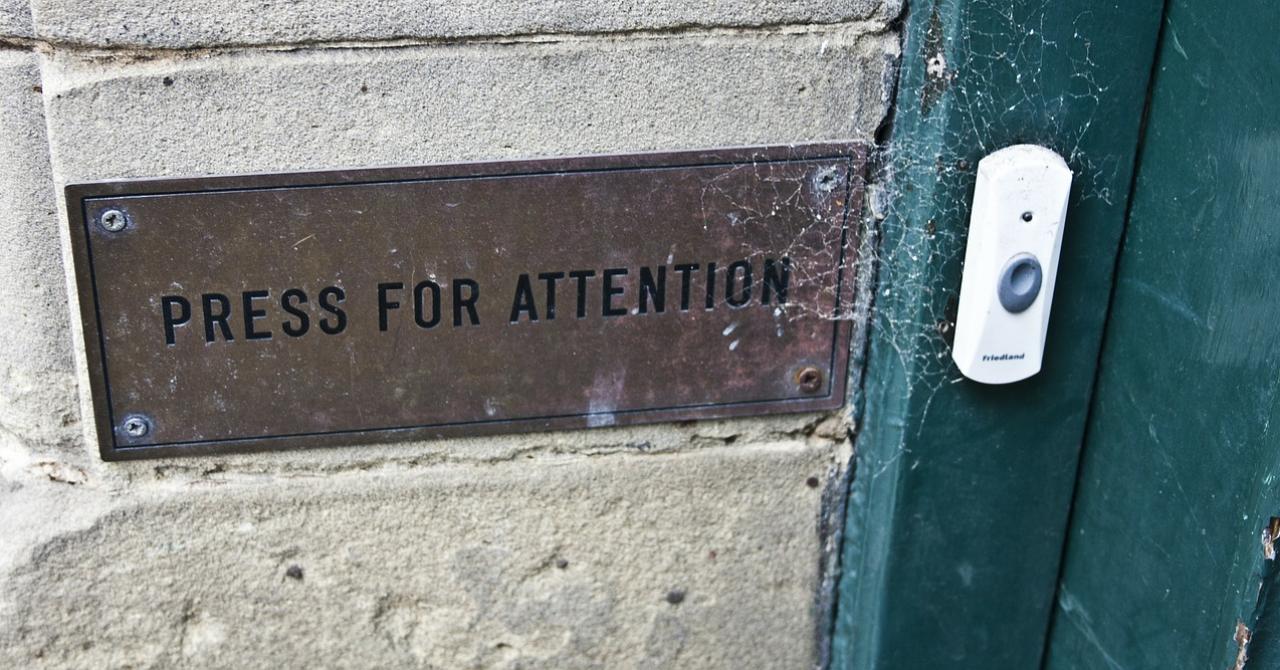 Când hackerii îți sună la ușă: o sonerie smart, vulnerabilă la atacuri