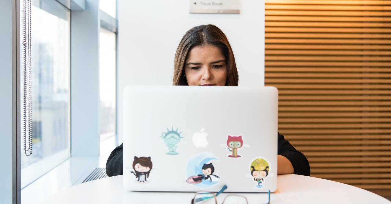 Girls in AI Hackathon - primul eveniment AI destinat elevelor