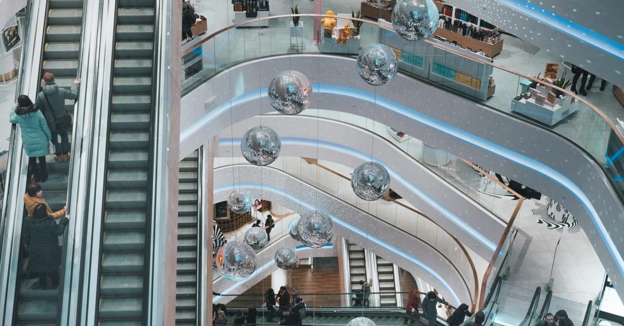 Raport PwC: retailul pe creștere după ce a fost zdruncinat de pandemie. Tendințe