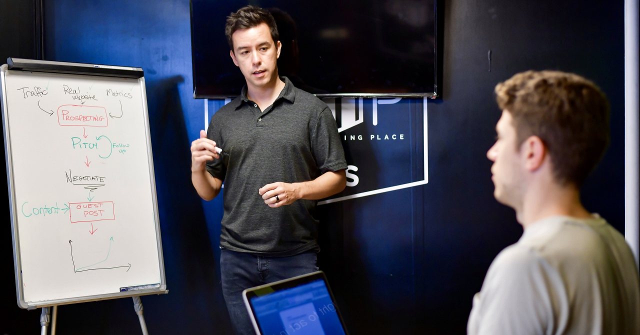 CEO pentru o zi: program pentru tinerii care se visează manageri
