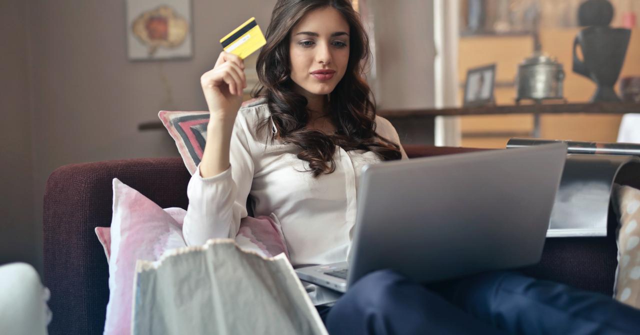 Dublarea comerțului online în aprilie: ce au cumpărat românii în starea de urgență
