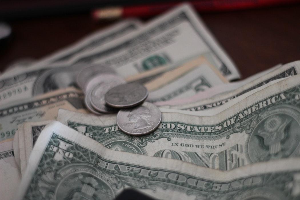 De câți bani ai nevoie ca să începi o afacere?