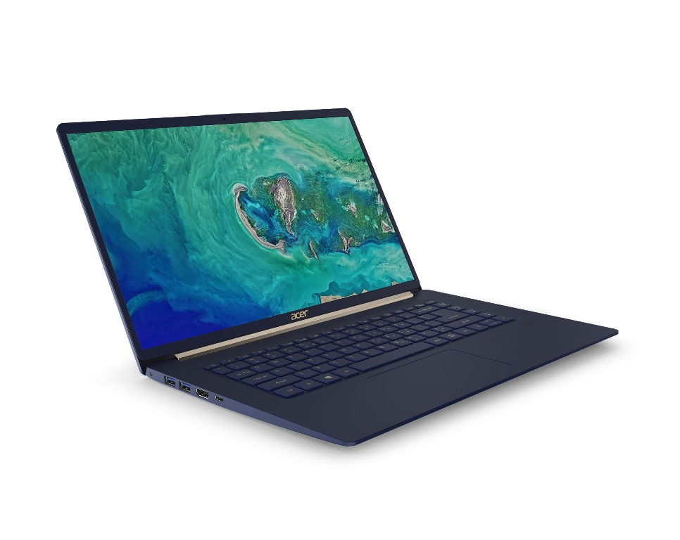 Acest laptop de 15 inch de la Acer cântărește mai puțin de 1 kilogram