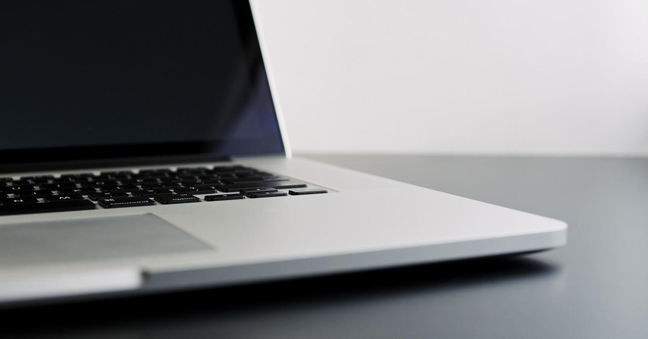 5 laptopuri ieftine, dar cu care îți faci treaba