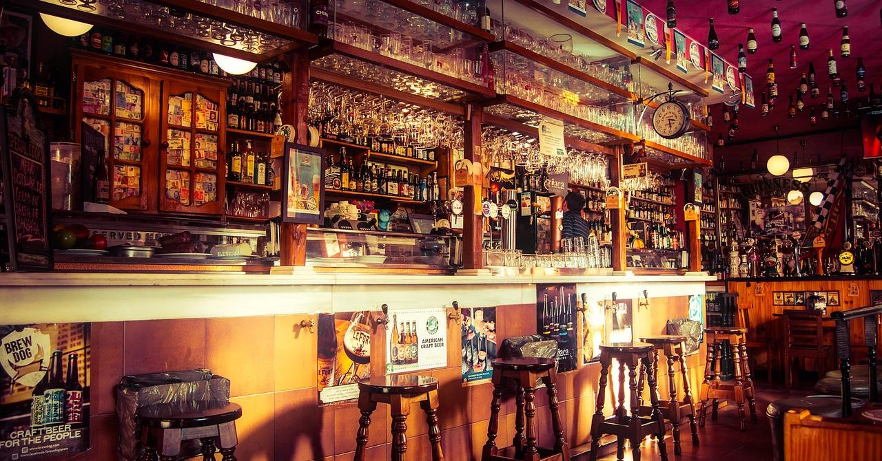 Magazin cu bere artizanală românească în Capitală. Peste 100 de feluri