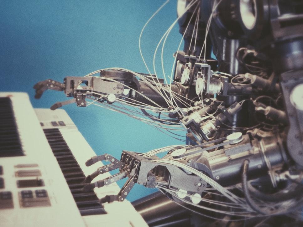 Cursuri gratuite de programare: Amazon ne învață să strunim roboții