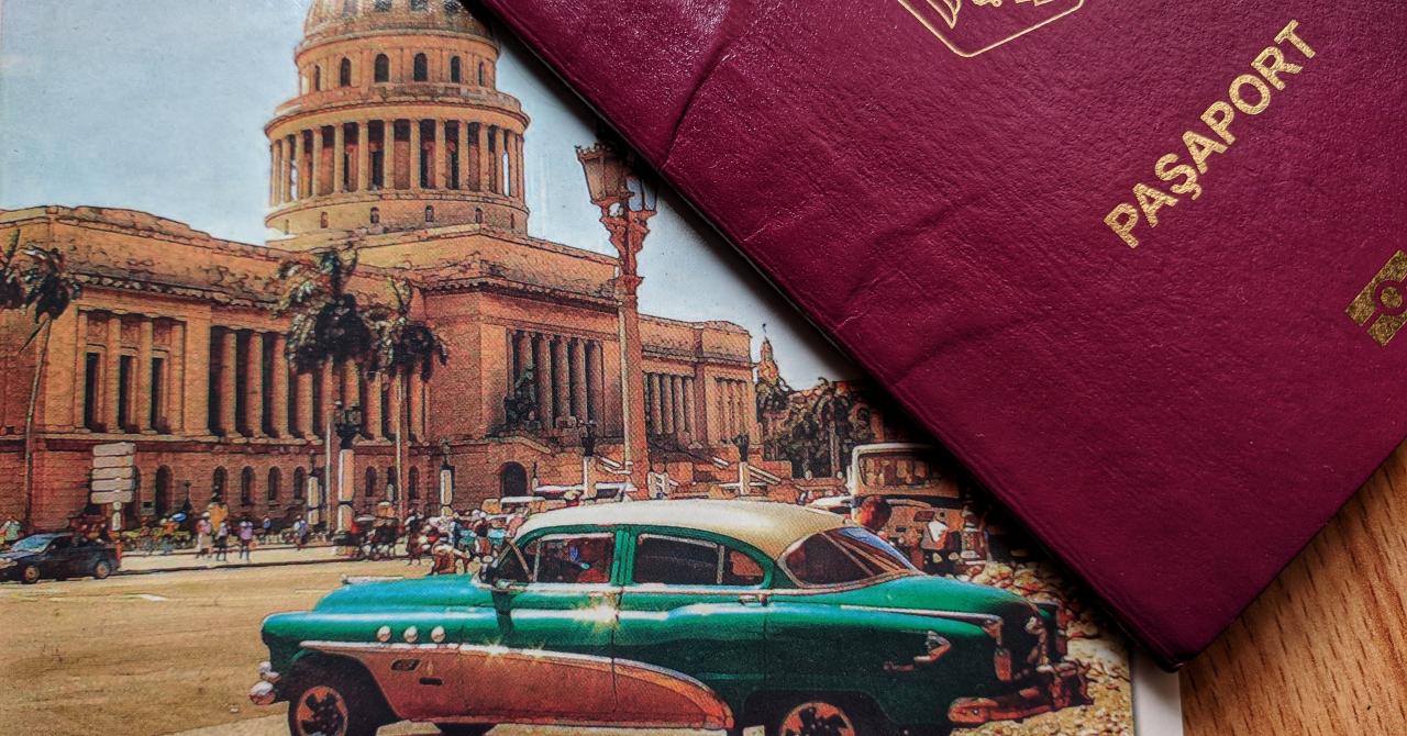 Cât costă pașapoartele românești pe Dark Web?