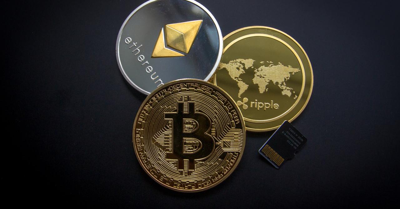 Cele mai populare 10 criptomonede în care investesc românii