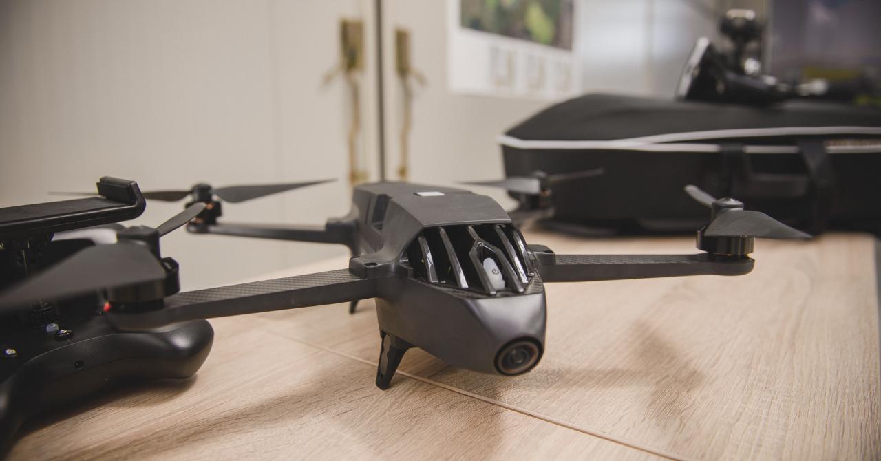 Drone pentru agricultori de la Falcon: le iei cu bani din fonduri
