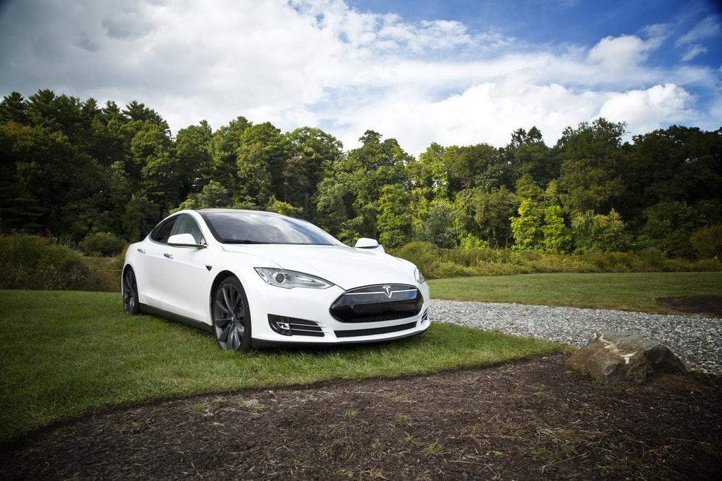 Tesla ar vrea să se delisteze...ba n-ar vrea...ba ar vrea...