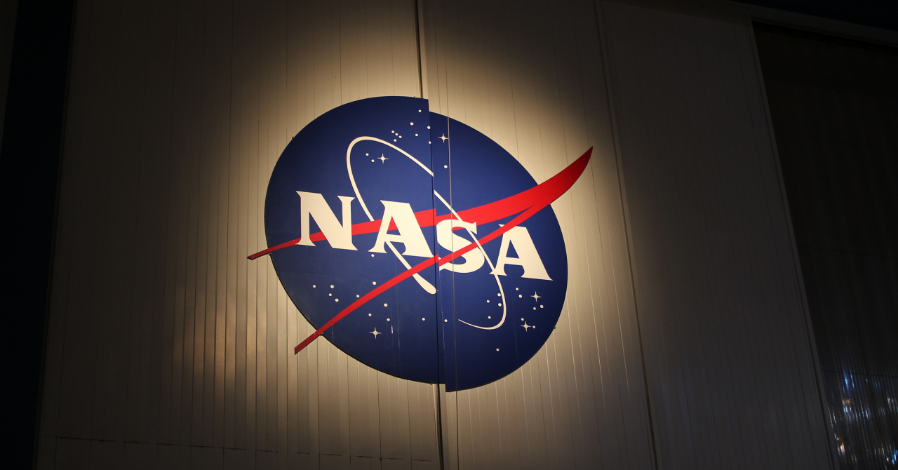 Construiește aplicații utile pentru NASA la București și Cluj