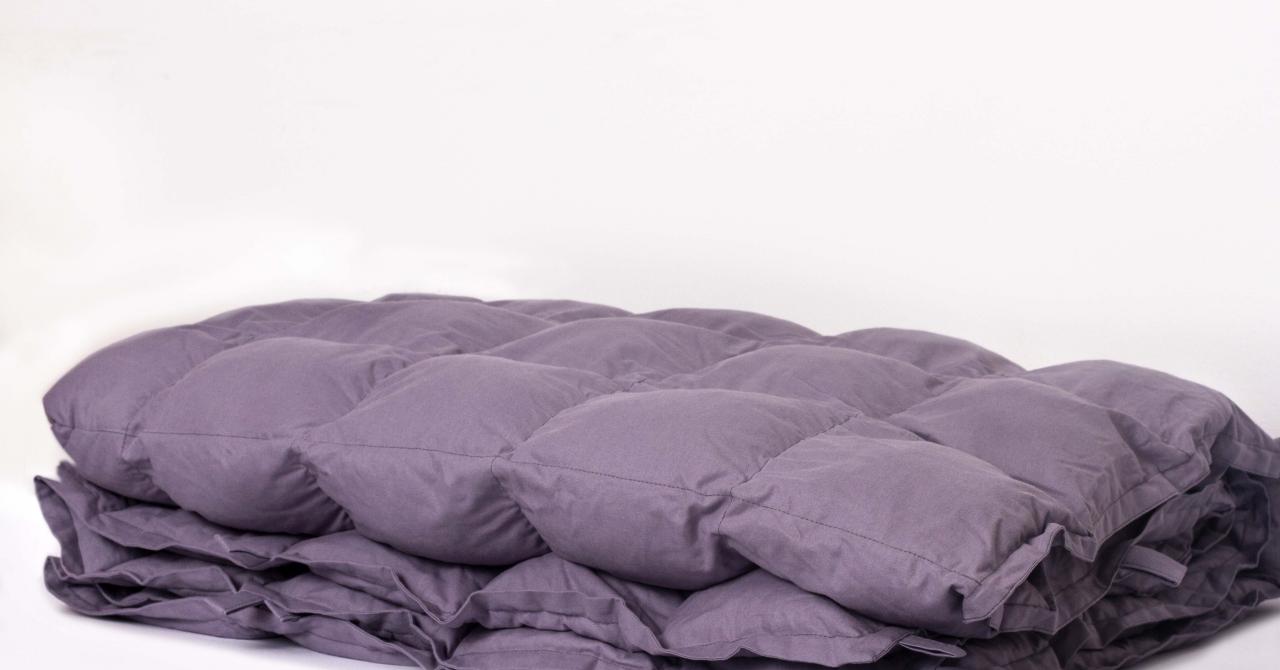 """Hug Me Blanket aduce conceptul """"weighted blanket"""" în România: pătura ponderată"""