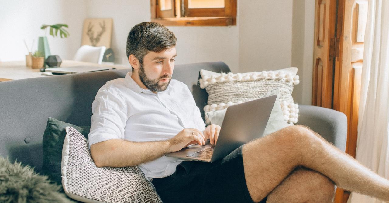 Peste 30% dintre angajați sunt nehotărâți cu privire la întoarcerea la birou