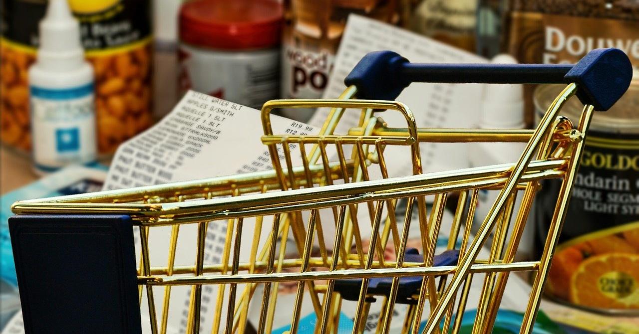 Cumpărături la ușa ta: Inițiativa care aduce alimente la ușa persoanelor bătrâne