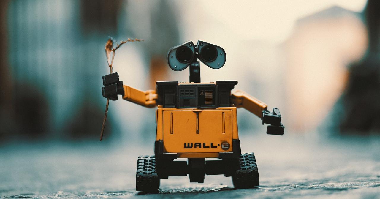 Gheorghe și Vasile: roboții care duc firmele românești la un nou nivel