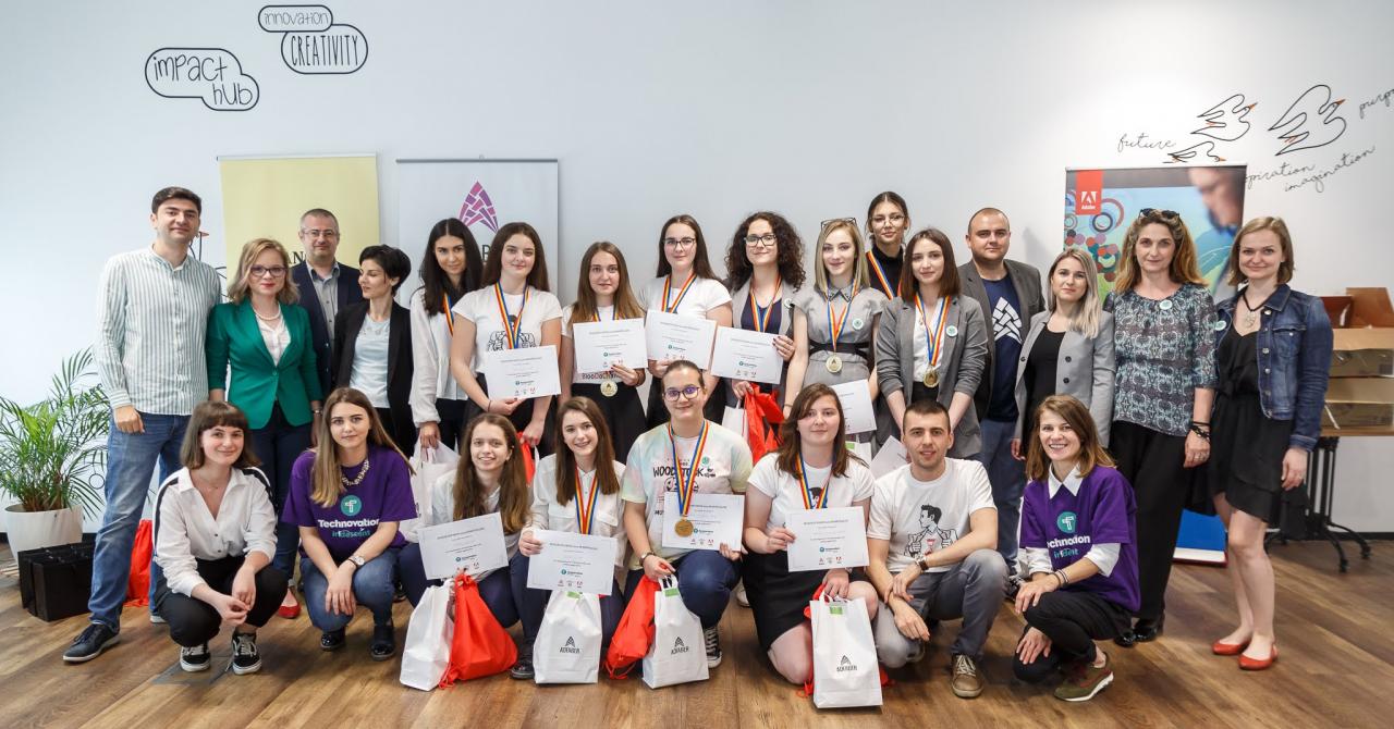 Premiante la Technovation Girls cu o soluție care poate evita un nou caz Caracal