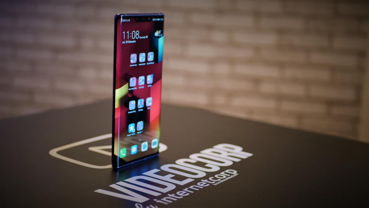 Coronavirus   Huawei extinde automat garanția și ia telefoanele de acasă