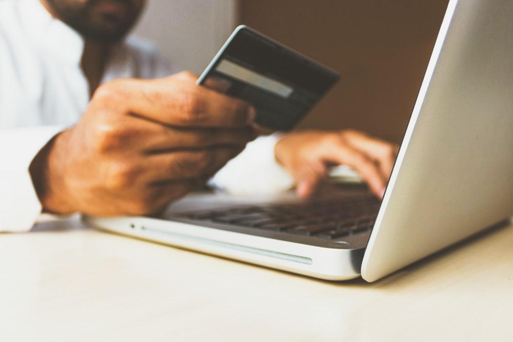 Studiu privind piața de comerț electronic din România