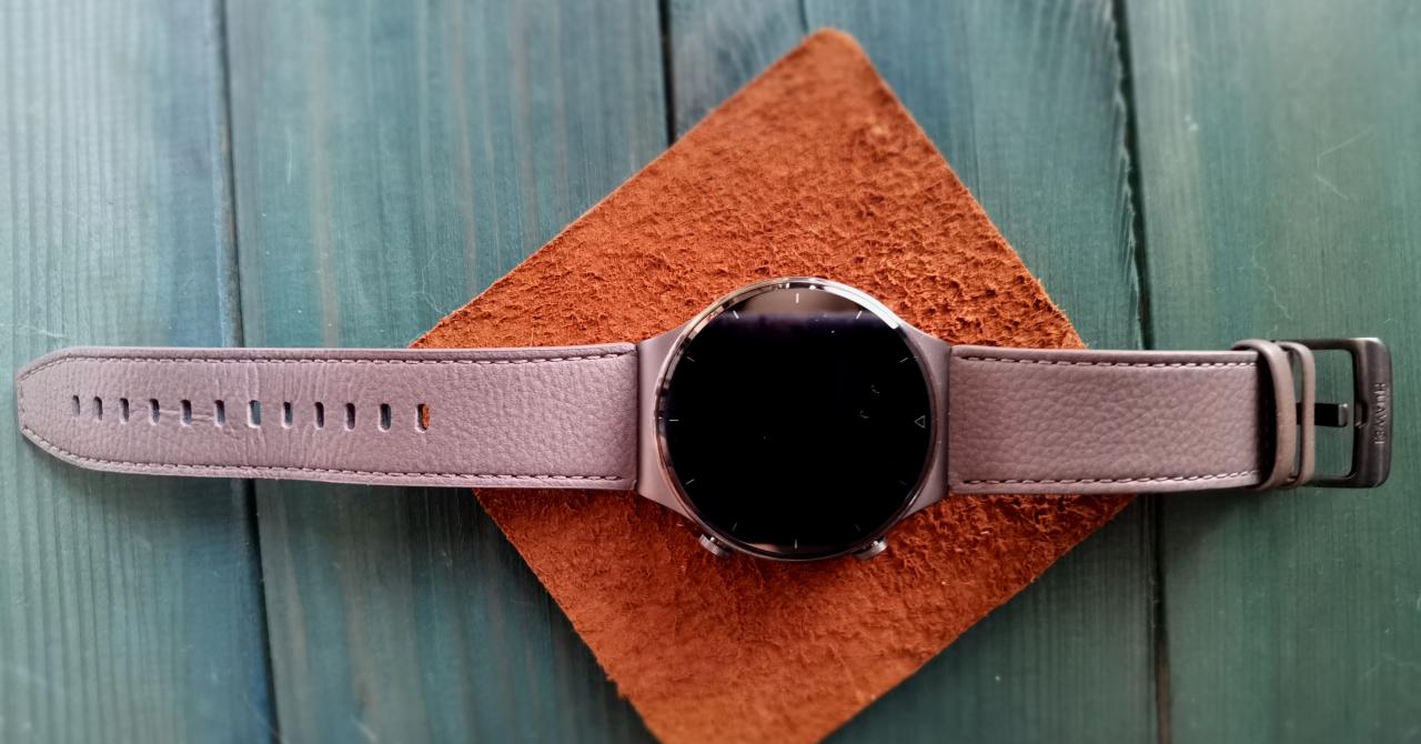Review Huawei Watch GT2 Pro: Durabil atât ca design cât și ca autonomie