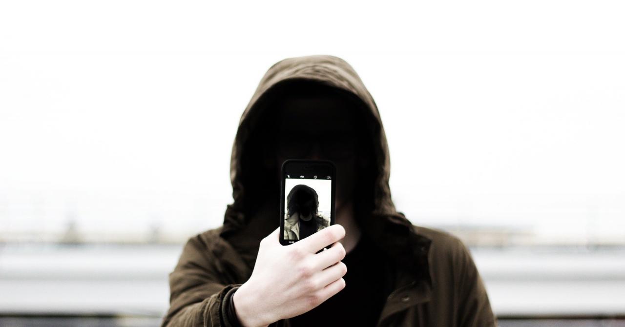 Telekom: cum rezolvă selfie-urile în timp real crearea de abonamente online