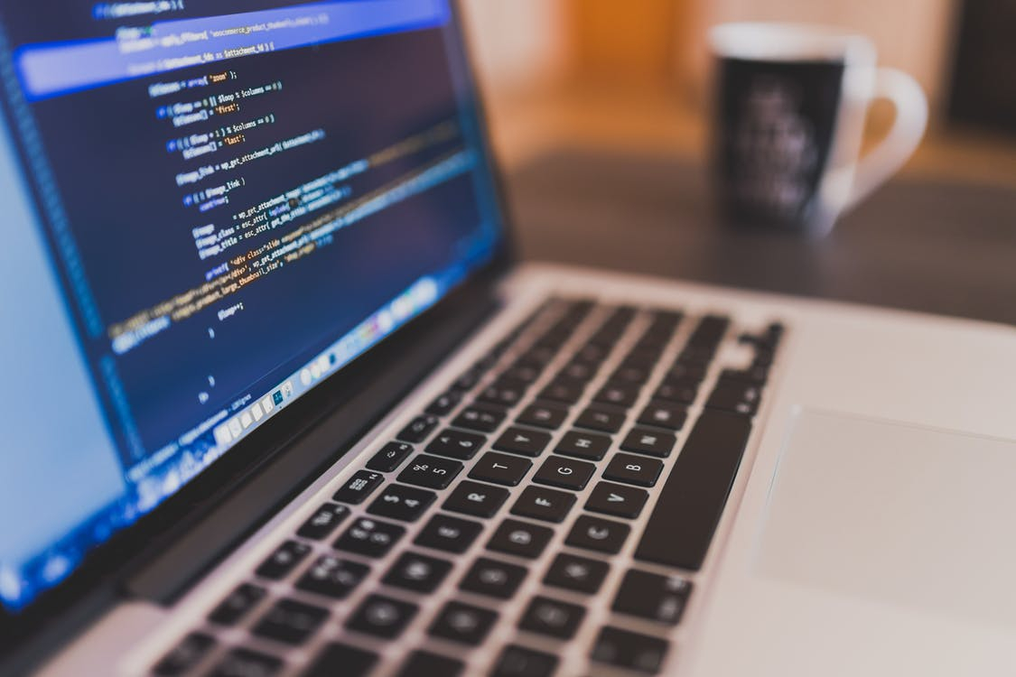 Cursurile gratuite care te învață să devii programator