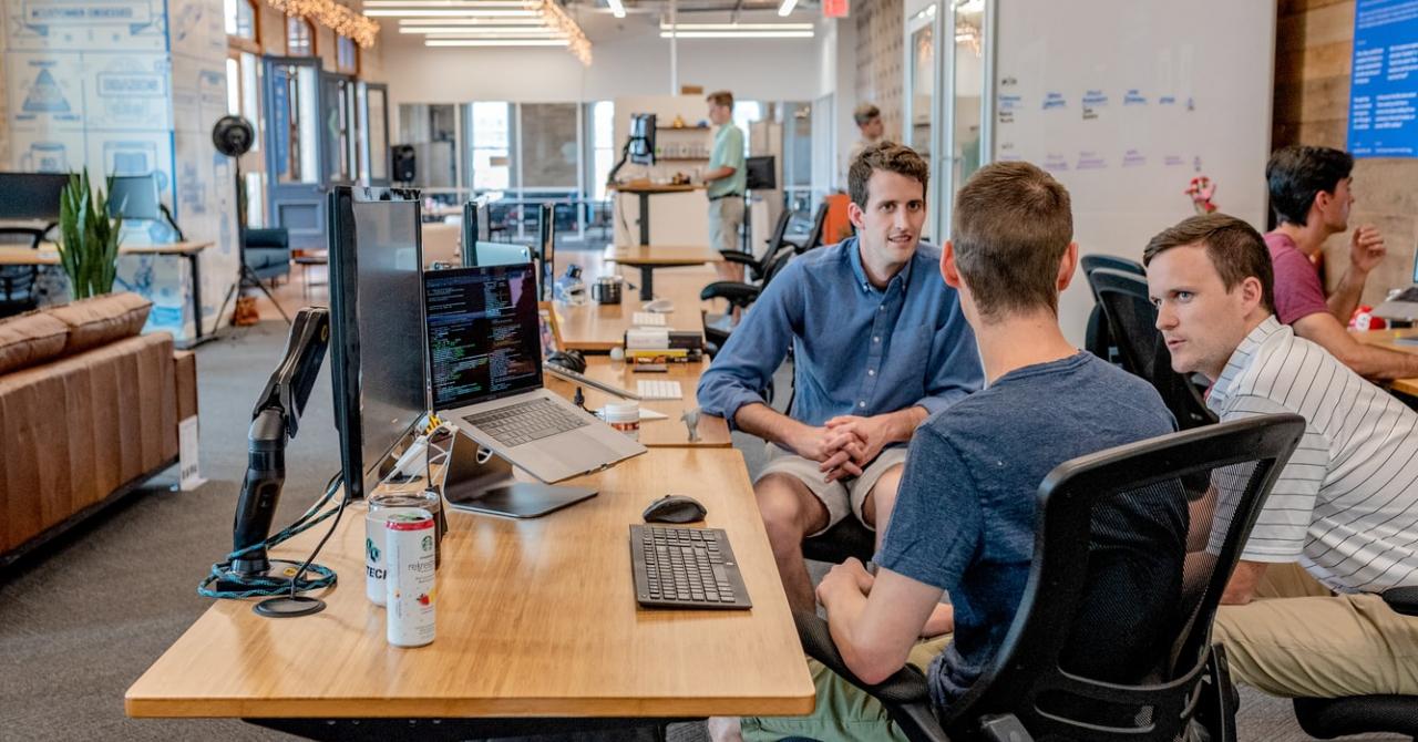 Joburi în IT: Softbinator caută specialiști și dorește să achiziționeze startups