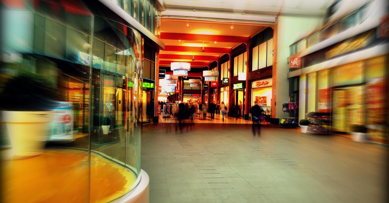 Colliers: Parcurile de retail, noile vedete ale pieței de retail