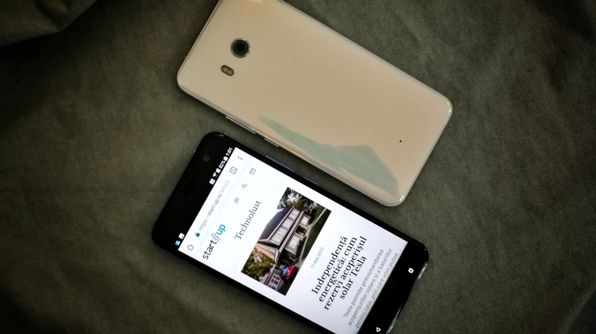 HTC U11, disponibil la operatori. Alte trei telefoane HTC care merită