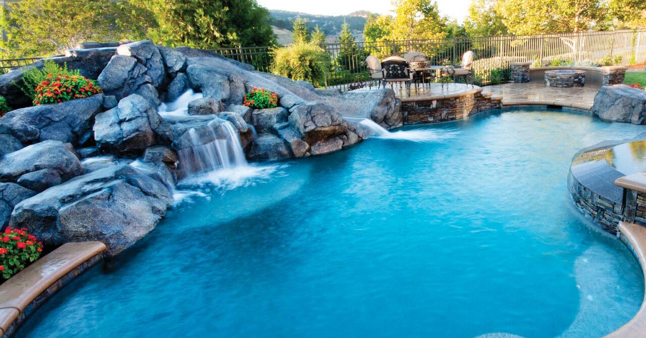 Folosește pompe autoamorsante 30mc pentru piscine și bazine de înot cu apă curată și relaxantă