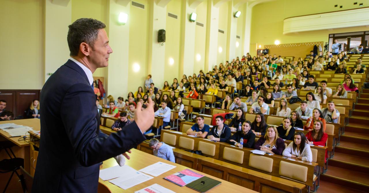 BCR a băgat România în Cartea Recordurilor: 13.000 de participanți